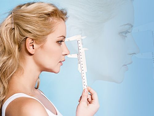 До скольки лет можно делать ринопластику носа