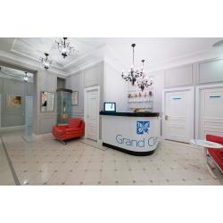 Grand-Clinic-c2.jpg